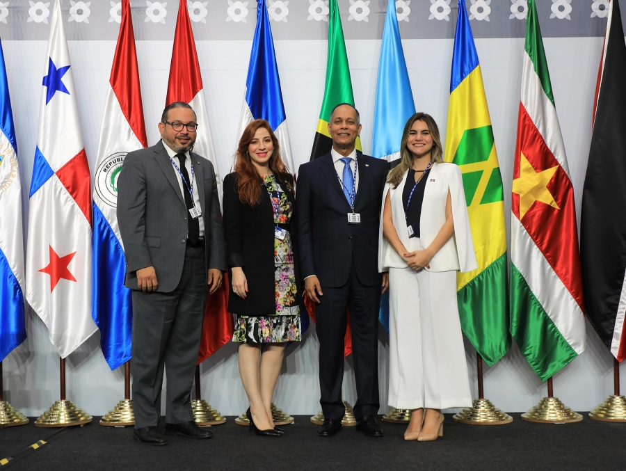 Director de la OPTIC junto a representantes de la OEA